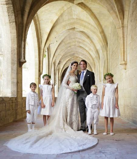 MARIAGE ROYAL DU LUXEMBOURG ELIE SAAB CREE LA ROBE DE MARIEE