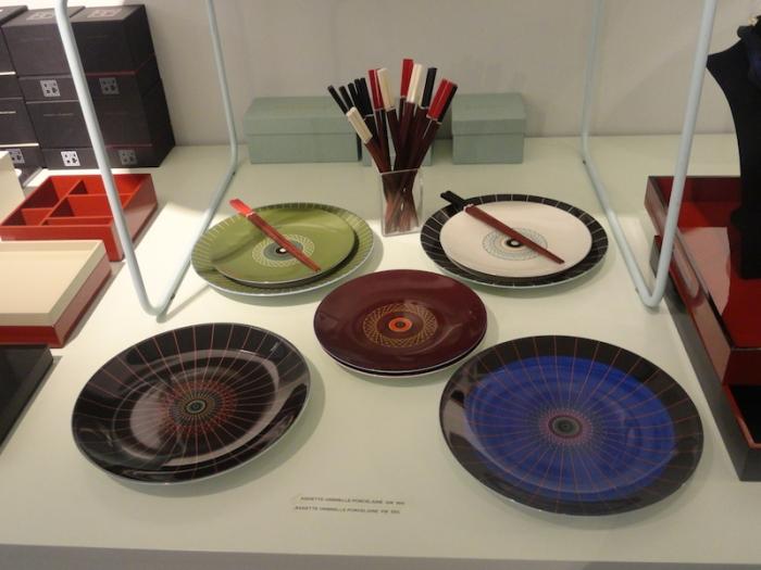 Assiettes de la collection « Les Ombrelles » (Sarah Lavoine) - Petit modèle : 55€ - Grand modèle : 68€