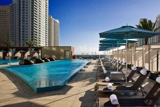 Epic Hotel ***** - Pool