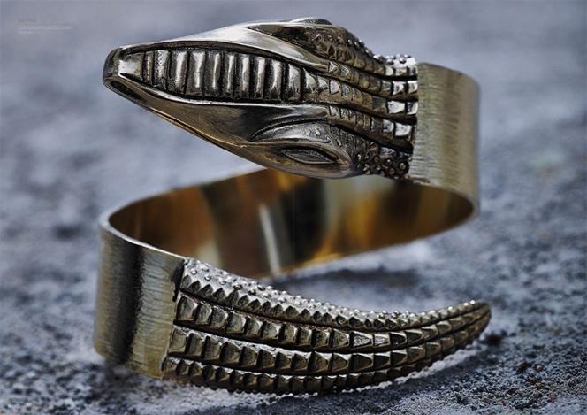 Jojoba - Crocodile Bracelet