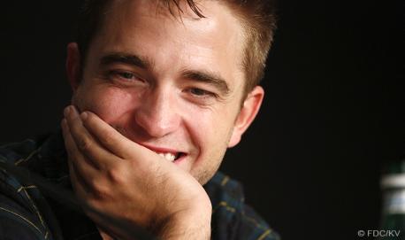 Robert Pattinson - 19/05   MAPS TO THE STARS