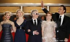 Sarah Gadon, Mia Wasikowska, David Cronenberg, Julianne Moore, John Cusack -19/05   MAPS TO THE STARS