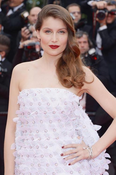 Laetitia Casta wore a bracelet in platinum and diamonds from the 12 Vendome collection by Chaumet
