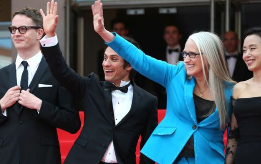 """Cannes 2014 - La montée des marches de """"Grace de Monaco"""" Jane Campion et Gael Garcia Bernal, membres du jury. Photo : SIPA"""