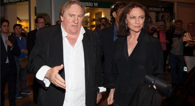 Gérard Depardieu et Jacqueline Bisset samedi soir à Cannes pour la première de %22Welcome to New York%22, le film d'Abel Ferrara projeté hors sélection © Guillaume Collet:Sipa