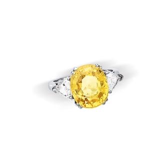 Bague Saphir Jaune 9,2 carats et 2 diamants troida 2 x 0,85 carats Poids 5,5 g 8 500,00 €