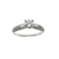 Bague solitaire diamant Pierre centrale : 0,54 carat 2 diamants taille poire et diamants ronds 4 850,00 €